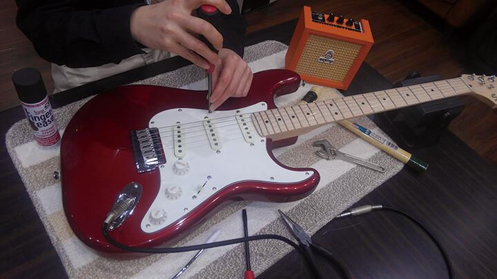 エレキギター解体SHOW♪